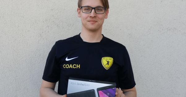 Martin Kokkuta Sportlyzerilt loosiga võidetud tahvelarvutiga.